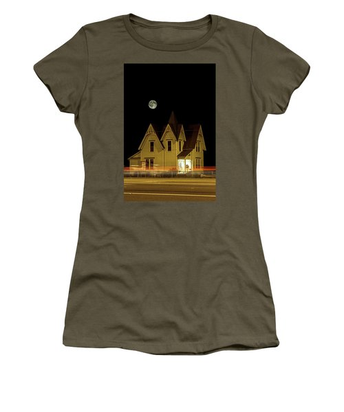Night View Women's T-Shirt (Athletic Fit)