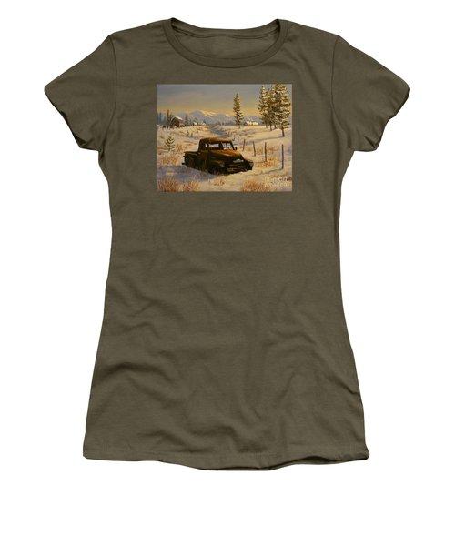 North Idaho Yard Art Women's T-Shirt (Athletic Fit)
