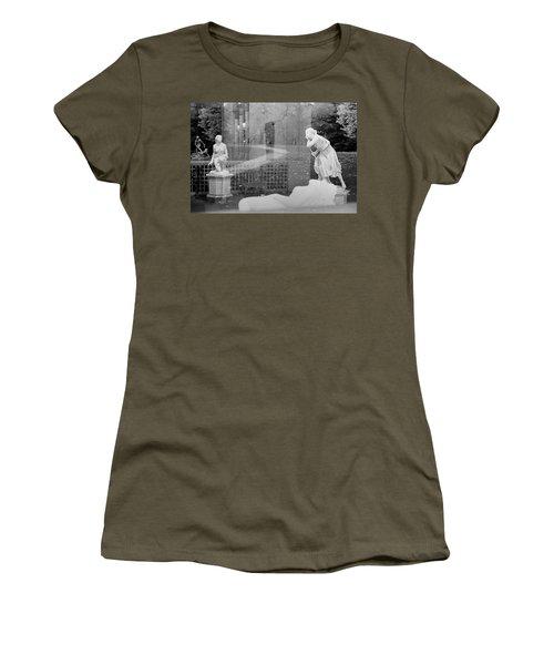 Nyc Whispering Statues Women's T-Shirt