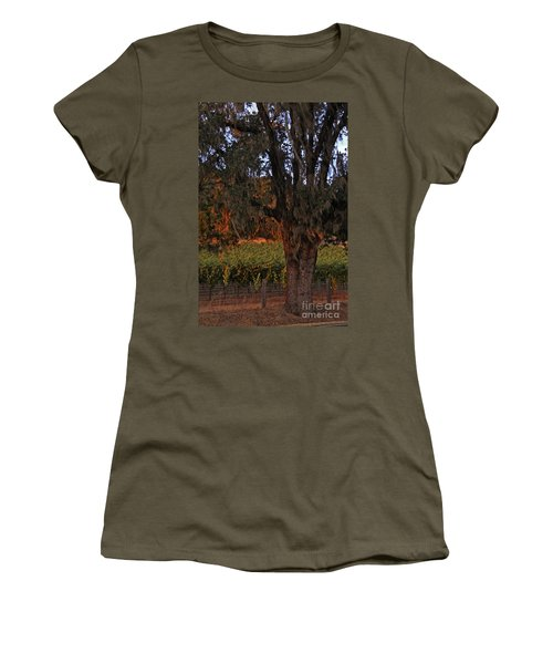 Oak Tree And Vineyards In Knight's Valley Women's T-Shirt
