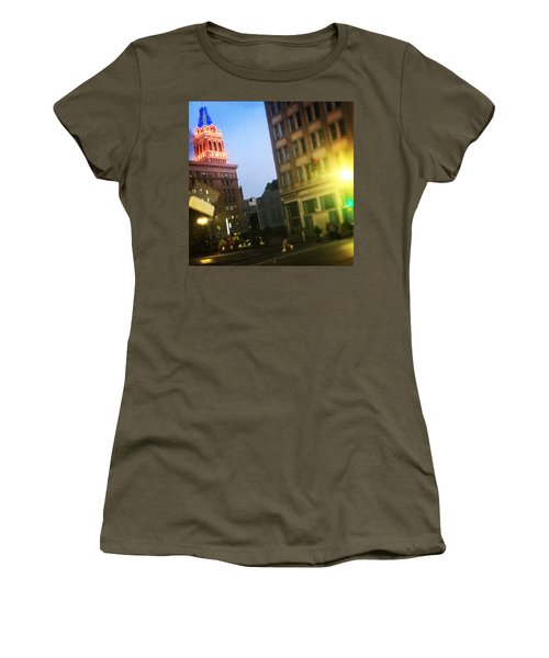 Oakland Lights Women's T-Shirt (Athletic Fit)
