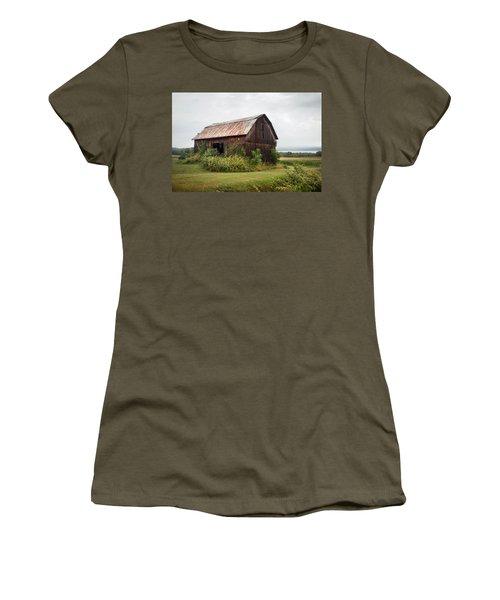 Old Barn On Seneca Lake - Finger Lakes - New York State Women's T-Shirt (Junior Cut) by Gary Heller