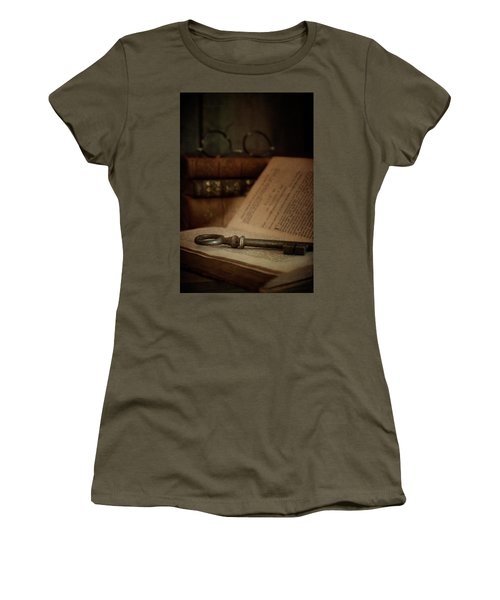 Old Book With Key Women's T-Shirt (Athletic Fit)