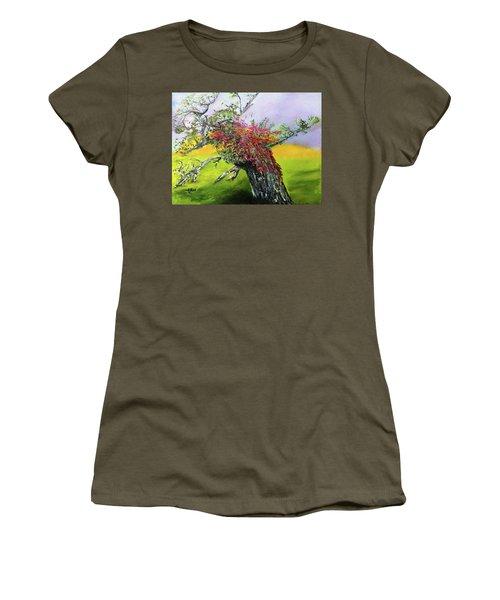 Old Nantucket Tree Women's T-Shirt