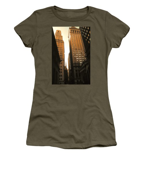 Old New York Wall Street Women's T-Shirt