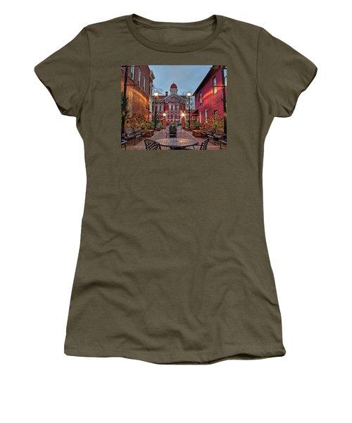 Parry Court 2 Women's T-Shirt (Athletic Fit)