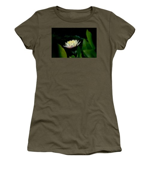 Peekaboo Lemon Water Lily Women's T-Shirt