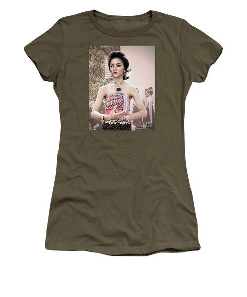 Performance Of Beauty Women's T-Shirt (Junior Cut) by Ian Gledhill