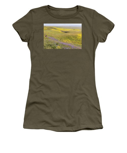 Women's T-Shirt (Junior Cut) featuring the photograph Photographing Carrizo by Marc Crumpler