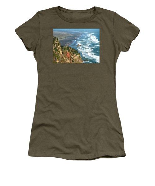 Piha Women's T-Shirt (Athletic Fit)