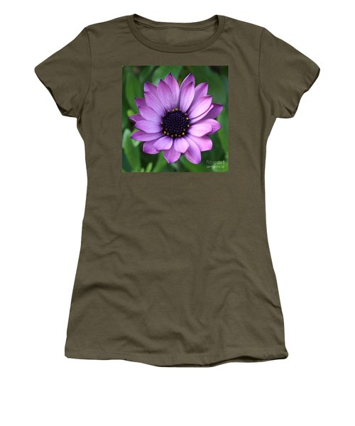 Purple Daisy Square Women's T-Shirt (Athletic Fit)