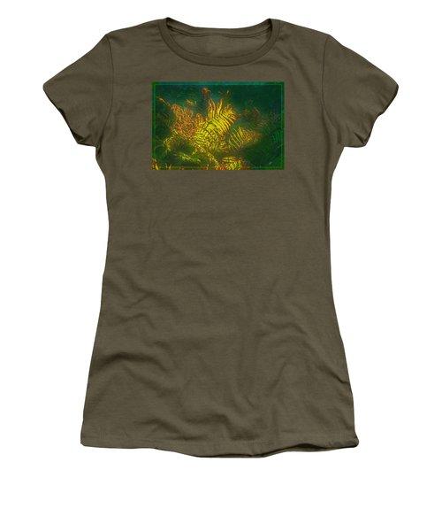 Quantum Fern.... Women's T-Shirt
