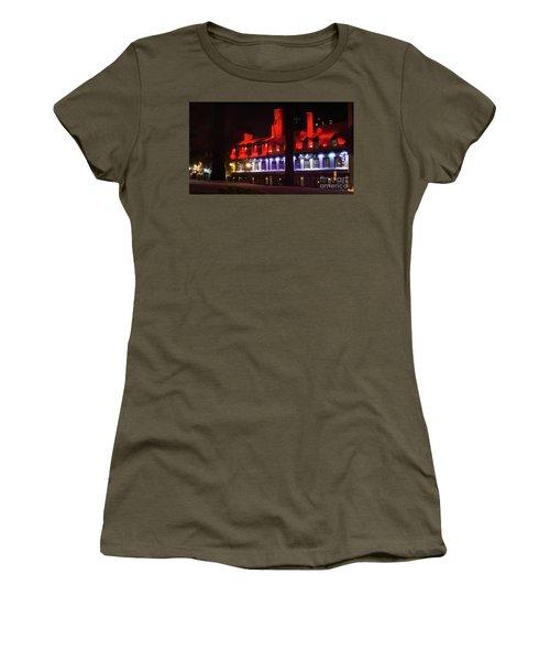 Quebec City At Night Bistro 1640 Women's T-Shirt