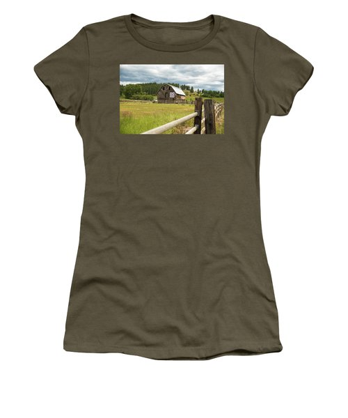 Ranch Fence And Barn With Hex Sign Women's T-Shirt