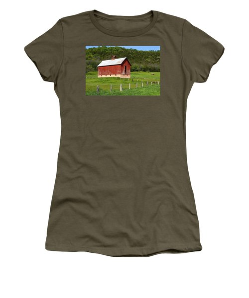 Red Barn With Cupola Women's T-Shirt