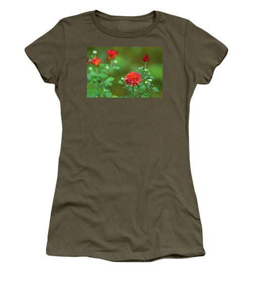 Red Mums Women's T-Shirt (Athletic Fit)