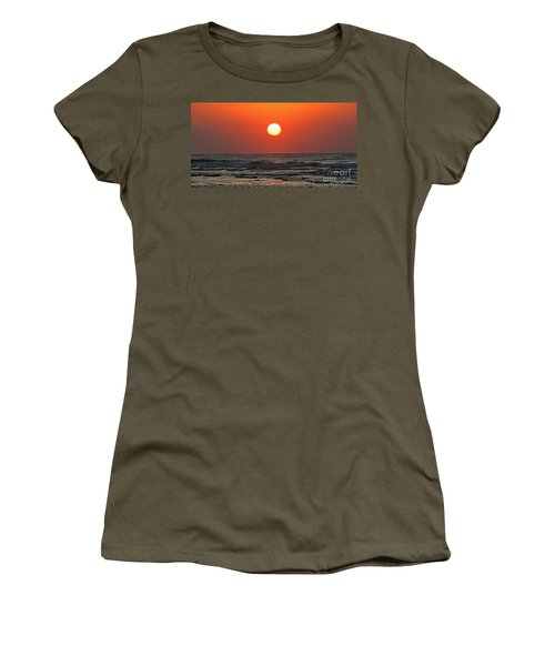 Red Sky At Morning Women's T-Shirt