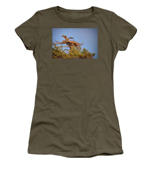 Women's T-Shirt (Junior Cut) featuring the photograph Returning To The Nest by Rick Berk
