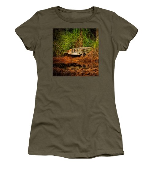 River Boat Women's T-Shirt (Athletic Fit)