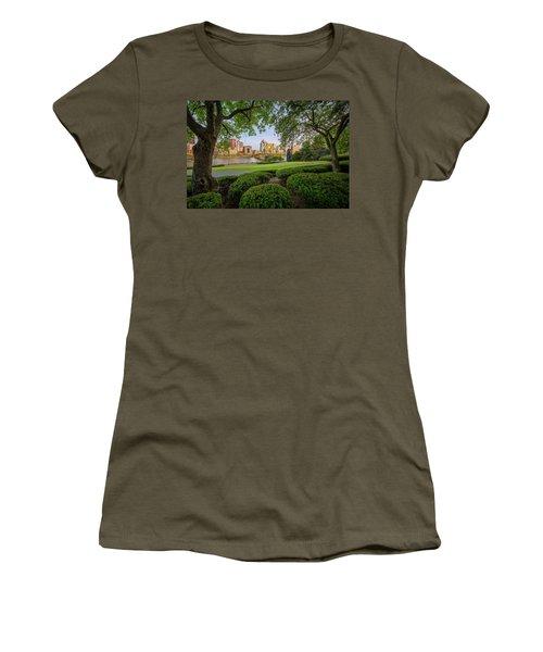 Roberto Clemente Bridge Women's T-Shirt (Junior Cut) by Emmanuel Panagiotakis