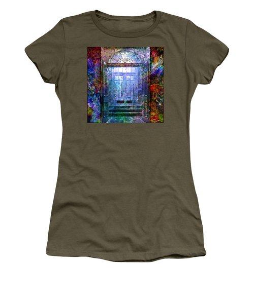 Rounded Doors Women's T-Shirt