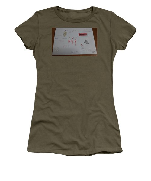 Rttcfghutcdtji8890yoj9 Women's T-Shirt