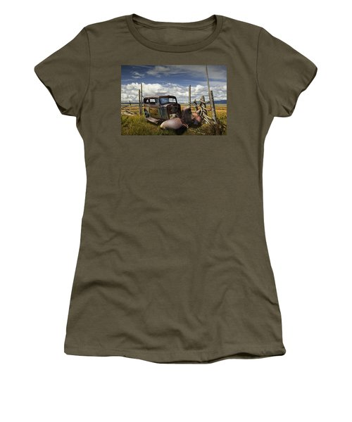 Rusty Auto Wreck Out West Women's T-Shirt