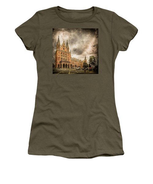 London, England - Saint Pancras Station Women's T-Shirt