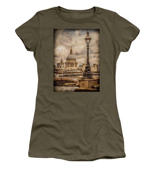 London, England - Saint Paul's Women's T-Shirt
