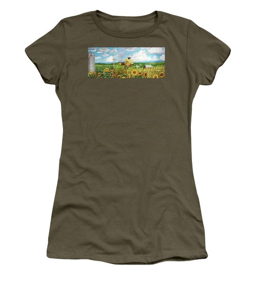 Scare Crow And Silo Farm Women's T-Shirt (Athletic Fit)