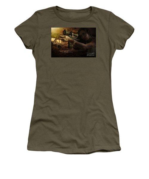 Scopped Women's T-Shirt
