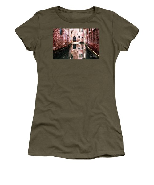 Secluded Venice Women's T-Shirt