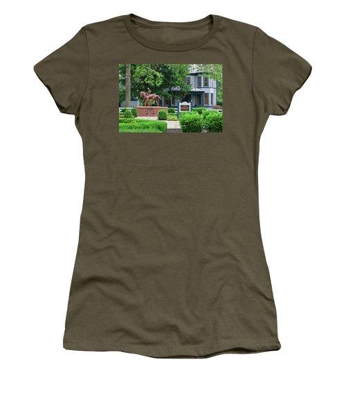 Secretariat Statue At The Kentucky Horse Park Women's T-Shirt