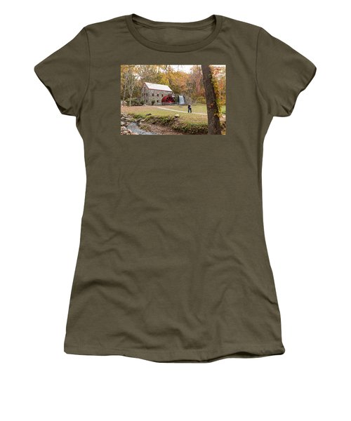 Selfie In Autumn Women's T-Shirt