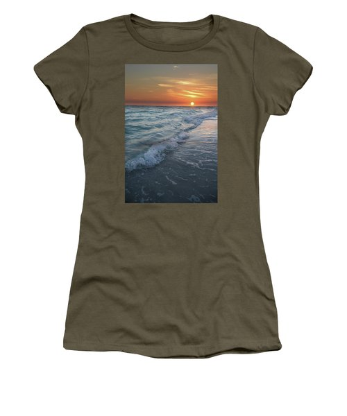Shoreline Sunset Women's T-Shirt (Athletic Fit)