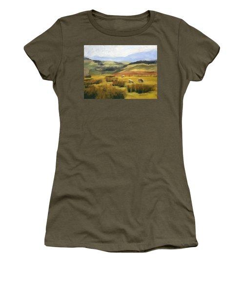Skiddaw Massif  Women's T-Shirt (Athletic Fit)
