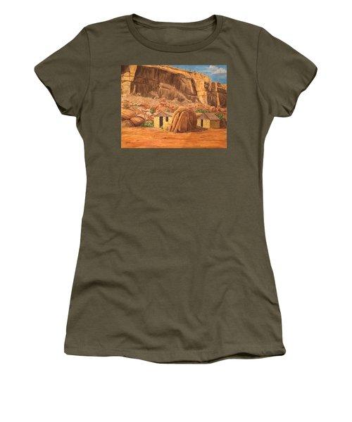 Smiths Cabin  Women's T-Shirt