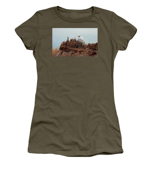 Snowy Owl In Dunes Women's T-Shirt (Athletic Fit)