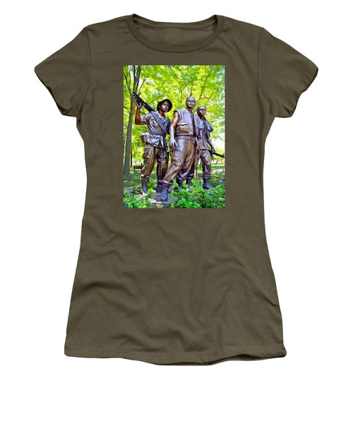 Soldiers Statue At The Vietnam Wall Women's T-Shirt