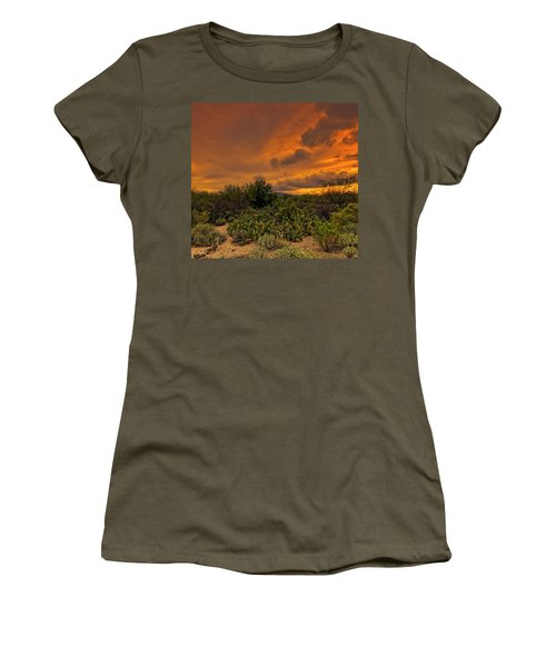 Women's T-Shirt (Athletic Fit) featuring the photograph Sonoran Sunset H4 by Mark Myhaver