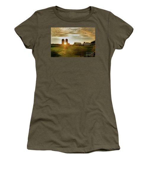 Split Silo Sunset Women's T-Shirt (Athletic Fit)
