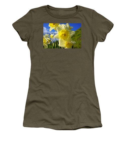 Springtime Bright Sunny Daffodils Art Prints Women's T-Shirt
