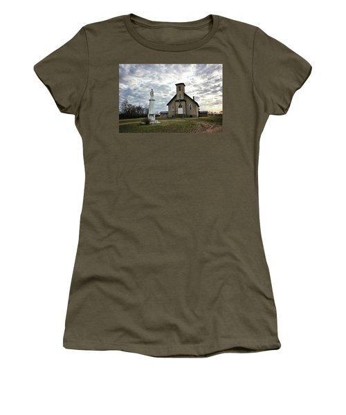 St Hubert Women's T-Shirt (Athletic Fit)
