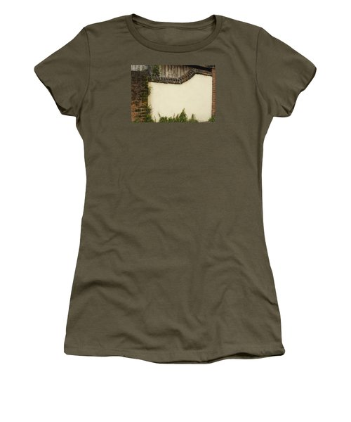 Women's T-Shirt (Junior Cut) featuring the photograph Stage-ready by Wanda Krack