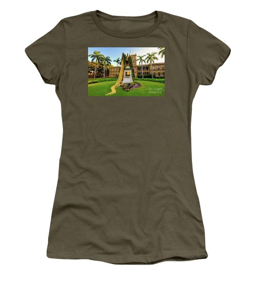 Statue Of, King Kamehameha The Great Women's T-Shirt