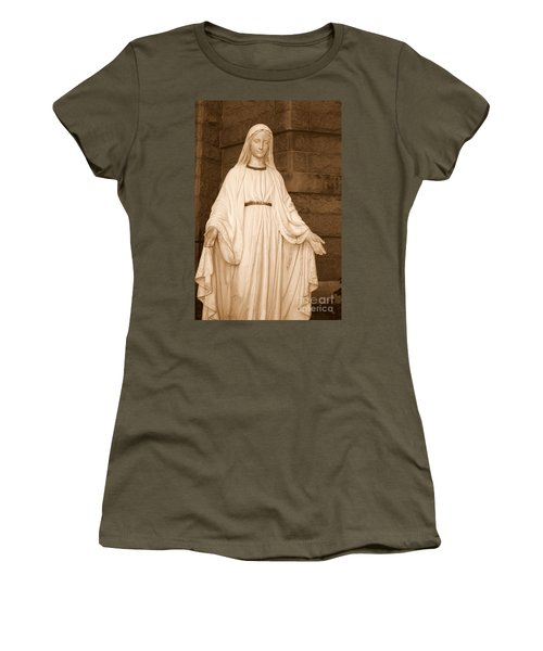 Statue Of Mary At Sacred Heart In Tampa Women's T-Shirt