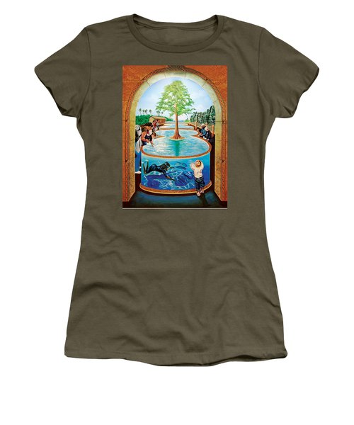 Stingray Tank At Atlantis Aquarium Women's T-Shirt