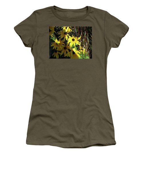 Sun Lit Diasies Women's T-Shirt (Athletic Fit)