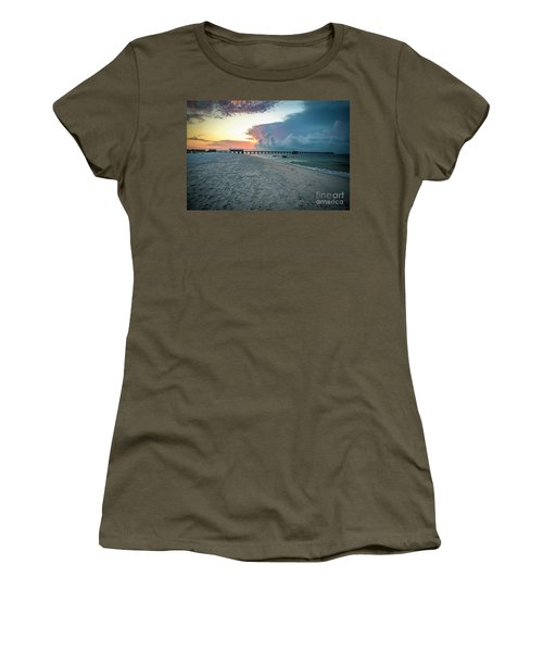 Sunrise Seascape Gulf Shores Al Pier 064a Women's T-Shirt