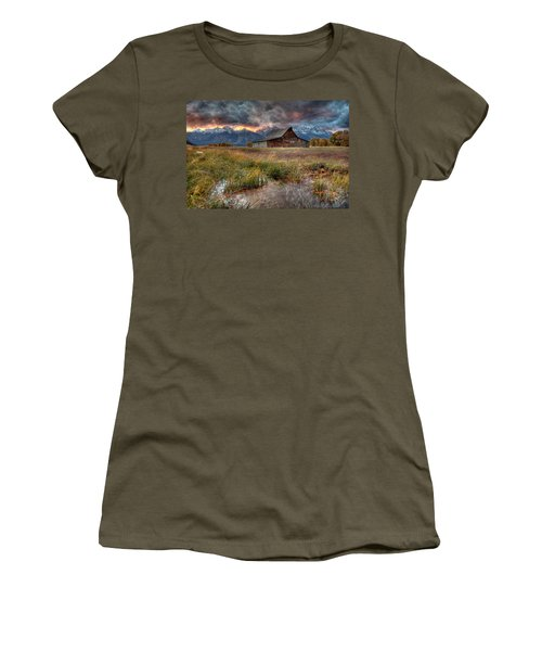 Teton Nightfire At The Ta Moulton Barn Women's T-Shirt